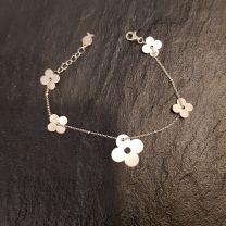 Bracelet fleurs vermeil de Clio Blue